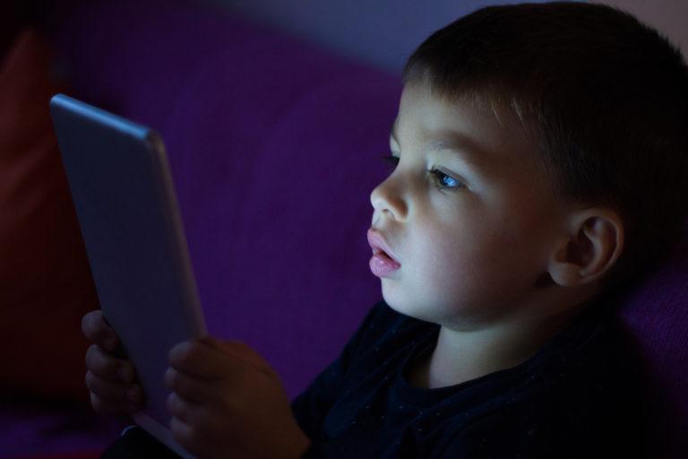 Digitales Lesen im Dunkeln